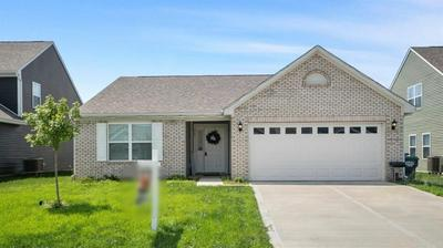 863 CORALBERRY LN, Greenwood, IN 46143 - Photo 1