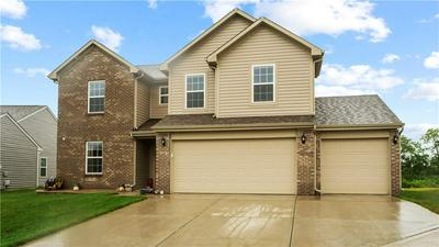 3747 BOUNDARY BAY DR, Indianapolis, IN 46217 - Photo 2