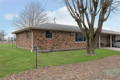 2967 E DAY DR, Anderson, IN 46017 - Photo 2