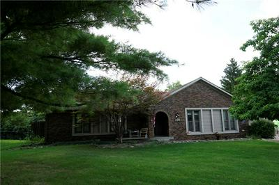1126 WATERFORD DR, Greenwood, IN 46142 - Photo 2