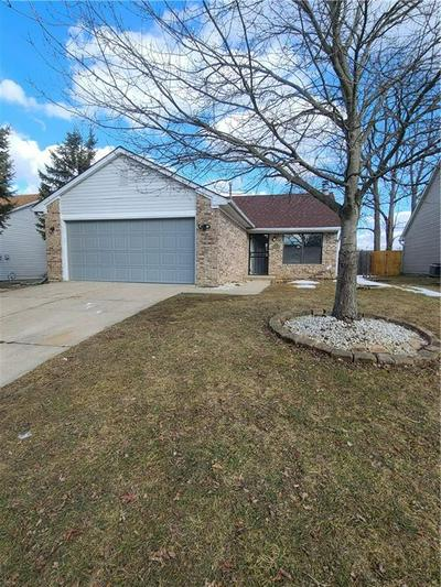 3651 BEARWOOD DR, Indianapolis, IN 46235 - Photo 2