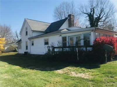 1074 W MANNING PL, Crawfordsville, IN 47933 - Photo 2