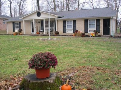433 N WOODLAND HEIGHTS DR, Crawfordsville, IN 47933 - Photo 1