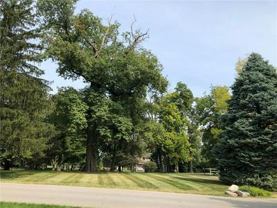 206 WOODLAND LN, Carmel, IN 46032 - Photo 2