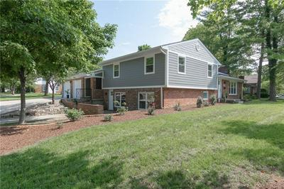 4002 ROSELAWN AVE, Columbus, IN 47203 - Photo 1