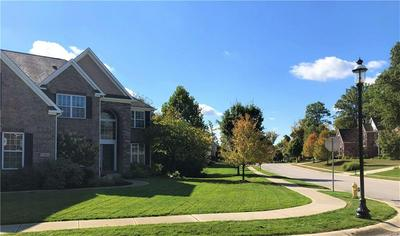 10331 COLVILLE LN, Indianapolis, IN 46236 - Photo 2