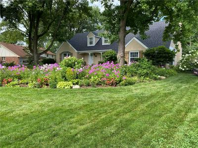 6520 CRICKLEWOOD RD, Indianapolis, IN 46220 - Photo 2