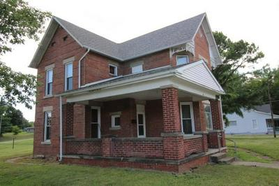 302 W SPRING ST, Brownstown, IN 47220 - Photo 2