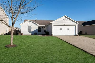 915 STREAMSIDE DR, Greenfield, IN 46140 - Photo 1