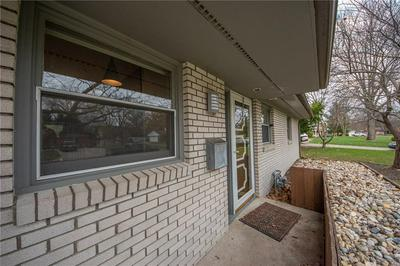 4304 WASHINGTON ST, Columbus, IN 47203 - Photo 2