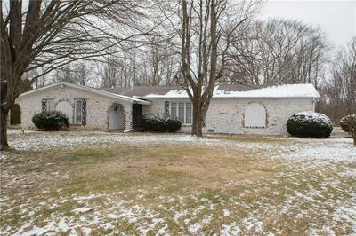 601 N SUNSET CT, Greenfield, IN 46140 - Photo 1