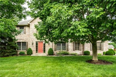 5935 HICKORY WOODS DR, Plainfield, IN 46168 - Photo 1