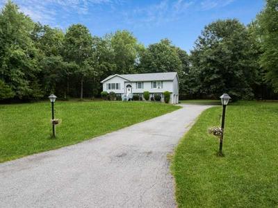 33 HELIN RD, East Fishkill, NY 12533 - Photo 2