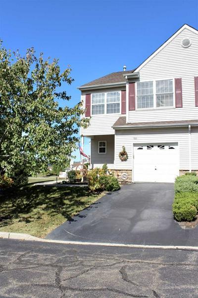 701 PONDVIEW LOOP # 1, Fishkill, NY 12590 - Photo 2