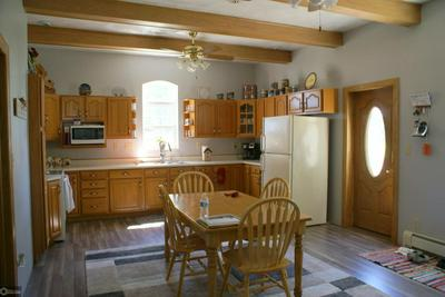 922 3RD AVE, Ackley, IA 50601 - Photo 2
