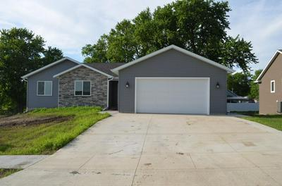 515 17TH AVENUE E, Oskaloosa, IA 52577 - Photo 1