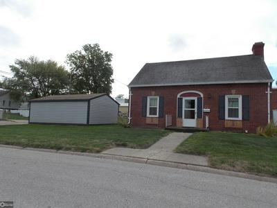 305 DAVENPORT ST, AUDUBON, IA 50025 - Photo 2