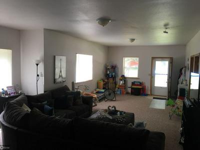1433 S 5TH ST, Burlington, IA 52601 - Photo 2