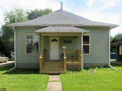 1014 9TH AVE E, Oskaloosa, IA 52577 - Photo 1