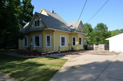 1406 S 2ND ST, Oskaloosa, IA 52577 - Photo 1