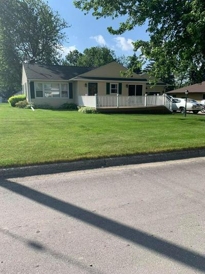 300 OAK AVE, Schleswig, IA 51461 - Photo 1