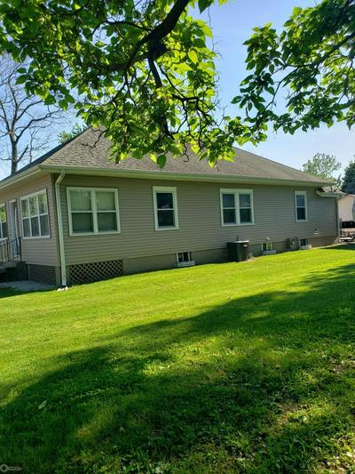 909 S 9TH ST, Oskaloosa, IA 52577 - Photo 2