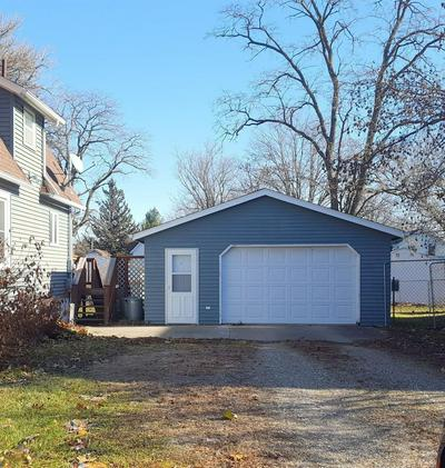 1609 11TH ST, Eldora, IA 50627 - Photo 2