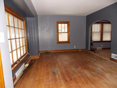 107 E DIVISION ST N, Audubon, IA 50025 - Photo 2