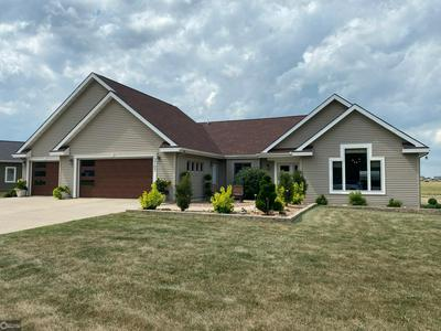 2107 W RIVER DR, HUMBOLDT, IA 50548 - Photo 1