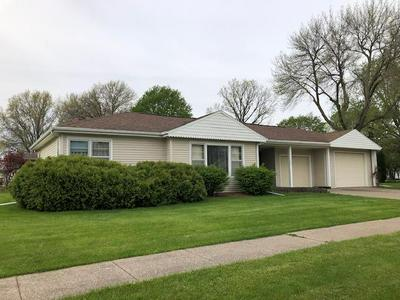 223 E 11TH ST, Washington, IA 52353 - Photo 1