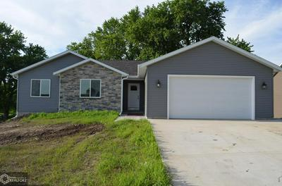 515 17TH AVENUE E, Oskaloosa, IA 52577 - Photo 2