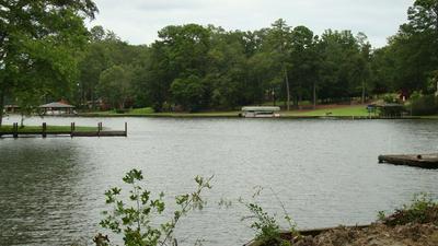 239 W LAKEVIEW DR NE, Milledgeville, GA 31061 - Photo 1