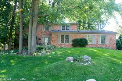 35163 SPRING HILL RD, Farmington Hills, MI 48331 - Photo 2