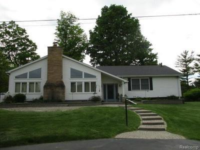 8636 TINDALL RD, Davisburg, MI 48350 - Photo 1
