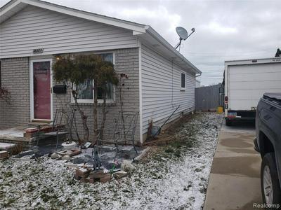 26682 ARLINGTON ST, Roseville, MI 48066 - Photo 2