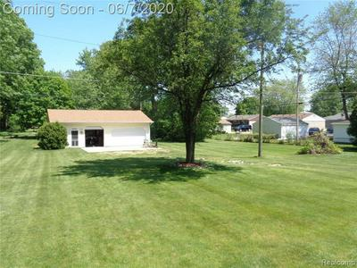 6550 N FARMINGTON RD, Westland, MI 48185 - Photo 2