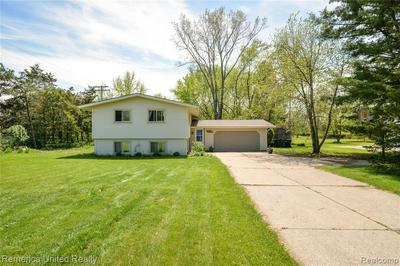 10420 BUNO RD, Brighton, MI 48114 - Photo 1