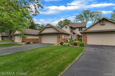 3344 RIVERS EDGE DR, Wayne, MI 48184 - Photo 2