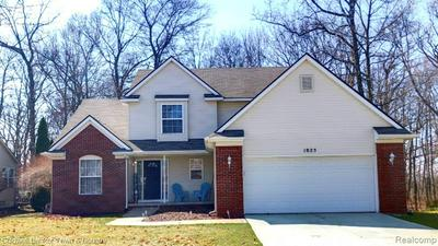1825 WOODED VALLEY LN, HOWELL, MI 48855 - Photo 1