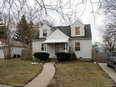 21833 MCKINLEY ST, Rockwood, MI 48173 - Photo 2