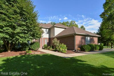 2307 SHORE LINE DR, Brighton, MI 48114 - Photo 2