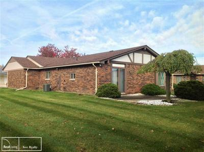 32610 MEADOWBROOK LN, Warren, MI 48093 - Photo 2