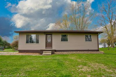 304 MEADOWDALE CT, Perry, MI 48872 - Photo 1