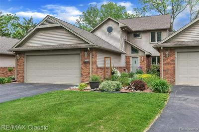3344 RIVERS EDGE DR, Wayne, MI 48184 - Photo 1