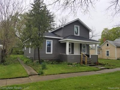 631 N HICKORY ST, Owosso, MI 48867 - Photo 2