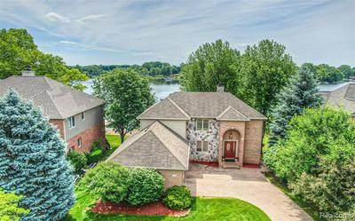 2685 COVE BAY DR, Waterford, MI 48329 - Photo 1