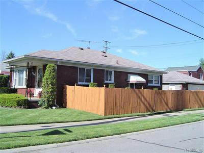 1161 6TH ST, Wyandotte, MI 48192 - Photo 2
