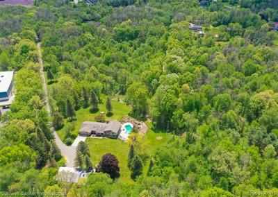 10620 RATTALEE LAKE RD, Davisburg, MI 48350 - Photo 2