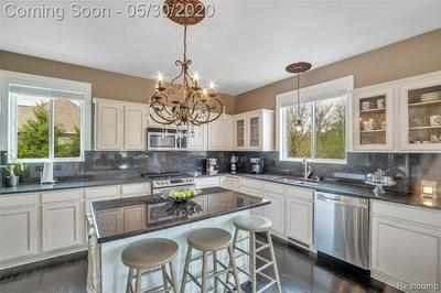 9423 DORNOCH TRL, Brighton, MI 48114 - Photo 2