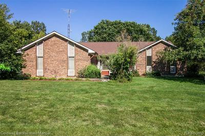 10056 WALNUT HILL DR, Davisburg, MI 48350 - Photo 1